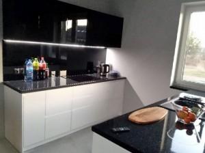 Kuchnia - biały i czarny lakier 1